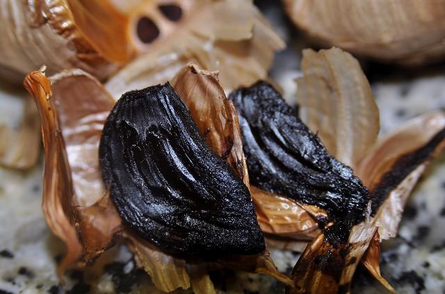 Los primeros ajos negros españoles.