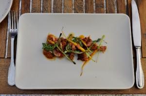 Chuletitas de conejo con salmorejo