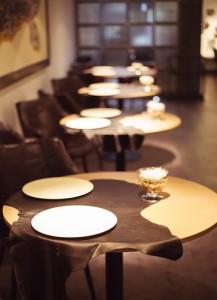 Detalle nuevas mesas del renovado Sergi Arola Restaurante