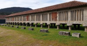 Hórreo Monasterio de Poio. Uno de los dos más grandes de Galicia