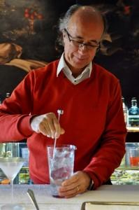 Javier de las Muelas oficiando (425x640)
