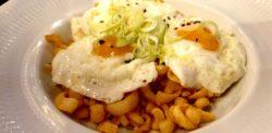 Huevos fritos con rabas Pez Fuego