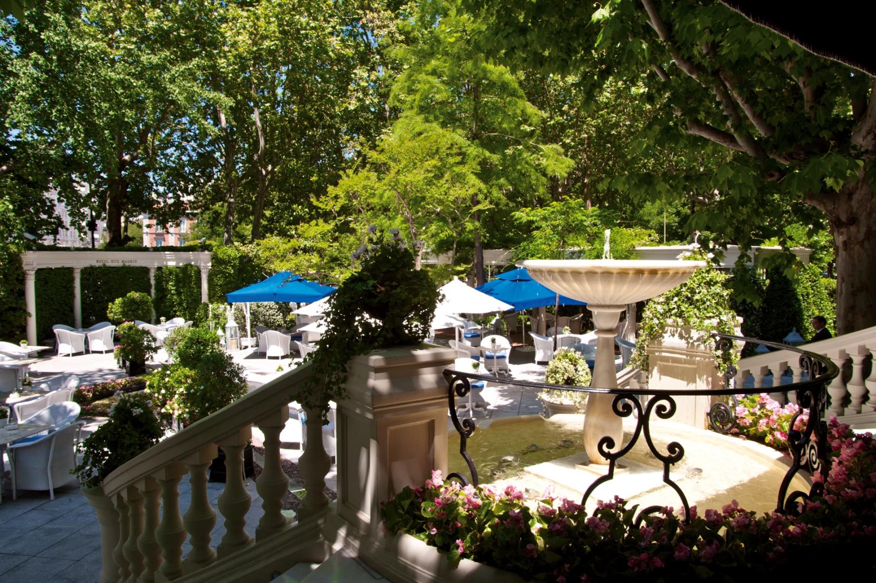 La terraza del hotel ritz restaurante goya los 5 mejores for Restaurantes con terraza madrid